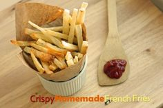 This method makes these baked fries super crispy!  #kidsinthekitchen #potatoes #healthysnack from Super Healthy Kids