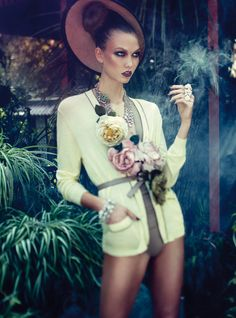 Karlie Kloss by Alexi Lubomirski for Vogue Germany