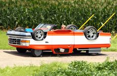 illinois man builds a drivable upside down pickup truck