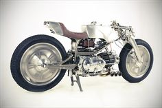 Amazing Guzzi Single.