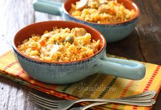Mom's Spanish Chicken and Rice - your entire family is going to love this!