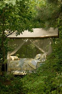 outdoor beds, secret gardens, dream, secret places, heaven, canopy beds, garden summer, secret garden spaces, secret haven