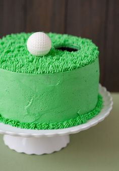 A DYI golf themed cake. Love this. Looks easy enough for even me to make it!