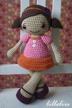 Amigurumi pattern - Sofia doll