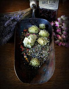 How to Make Herbal Dream and Sleep Pillows // by Herbal Musings
