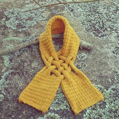 Great idea for a scarf!