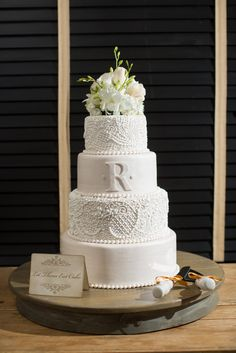 Breathtaking and intricate #weddingcake perfect for a romantic, sophisticated wedding. Made by Pastry Chef Jackie at Park Hyatt Beaver Creek Resort & Spa in #Colorado