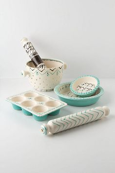 pie crusts, muffin tins, bakeries, colors, anthropologie, baking goodies, kitchen dishes, home kitchens, bakers