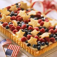 love the stars on top! >>>Red, White, and Blue Tart