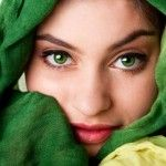 green eyes, perfect eyelin