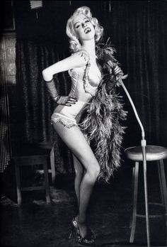 burlesque http://thepinuppodcast.com shares this images to support pin up and rockabilly artists, models and photographers.