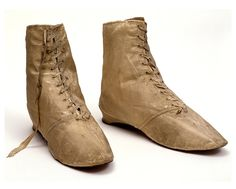 These boots are said to have been worn by the great actress, Sarah Siddons (1755-1831). V&A