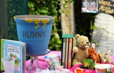 Winnie the Pooh Party table #winniethepooh #table