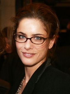 celebr eyewear, frame, style, glasses, eyeglass, eye glass, amanda peet, celebr wear, wear glass