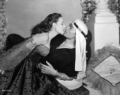 Maureen O'Hara & Jeff Chandler