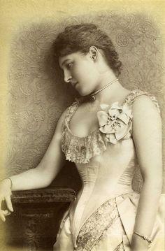 Lillie Langtry - 1885