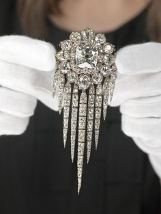 Queen Victoria's Fringe Brooch. Also referred to as the Waterfall Brooch.