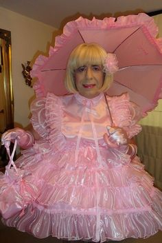 Sissy Maid Edwina