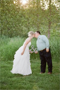Ampersand Used For Wedding Photograph .. awwwwww