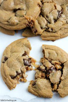 Caramel Stuffed Chocolate Chunk Cookies - bjl