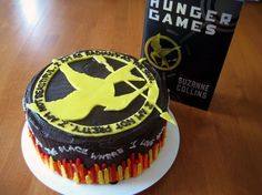 Hunger Games Cake the-hunger-games