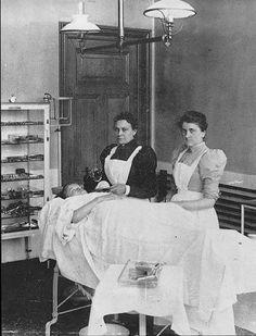 Verpleegster ca. 1900  St. Jozef Ziekenhuis  Heerlen