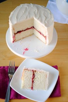 Lemon cake with raspberry filling