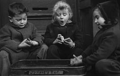 RUTH ORKIN The card players. 1947