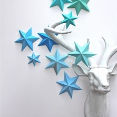 3D star-making tutorial and lots of decor ideas for how to use them.