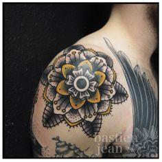 Flower // shoulder tattoo // Cool design and great colors // Bastien Jean