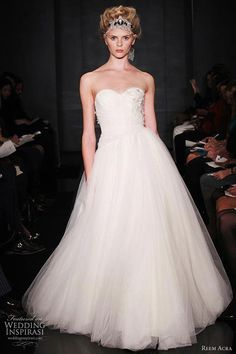 Gorgeous wedding dress.