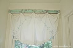 Vintage Valance ~ lovely diy curtains via TipJunkie.com