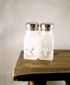 Owl Salt and Pepper Shakers Etched Glass.. i need these!! especially since my kitchen is decorated in owls!!
