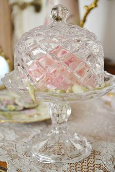 crystals, pink roses, inspiration, butter, tea, beauti thing, cake stand, crystal glassware display, cake plates