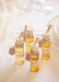 diy | honey wedding favors | this love of yours photography | via: 100 layer cake