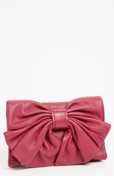 I adore this clutch