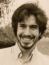 A very young Stephen Colbert.  OMG