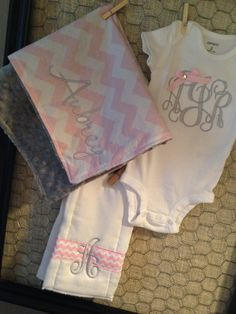 Custom Personalized Baby Gift Set by tinyhandsdesigns on Etsy, $35.00