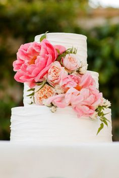 cake brightened up with coral peonies! So gorgeous!