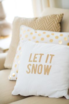 Really cute pillows for winter! Gold is still in style and especially perfect for the holidays.