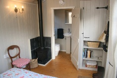 Shepherds Hut with bathroom!