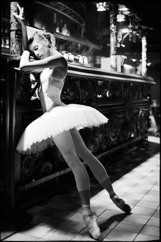 Philippine de Sevin / Prague State Ballet  By: Stanislav Petera