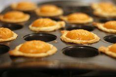 Are you kidding me?! Adorable mini pumpkin pies