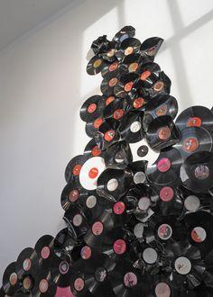 Vinyl Social (2012) by Sol Aramendi.  [ #installation #music #records #sculpture #vinyl ]