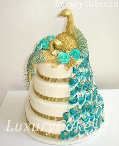 Peacock Wedding cake. Peacock are my favorite.