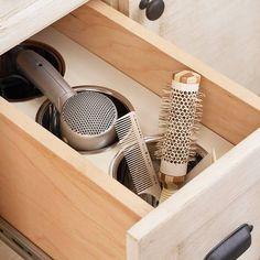 Styling tool storage in bathroom