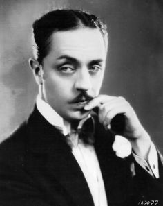 William Powell..The Thin Man...love every single one of those movies..❤