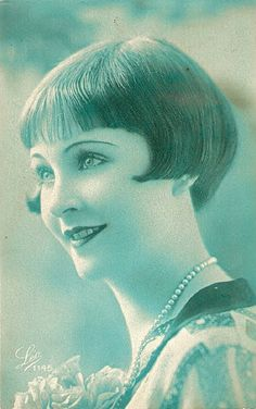 Bobbed Hair - the bobbed hairstyle simply meant to have one's hair cut. By the 1920s, the bobbed hair cut was widely received and was a trend college girls all over America were taking a part in.