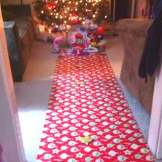 Red carpet wrapping paper..cute idea