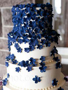 Blue Sugar Flower Cake | Kristin Spencer Photography | Cake: Scrumptions